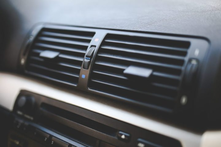 Reasons why your car's air conditioner might be blowing hot air